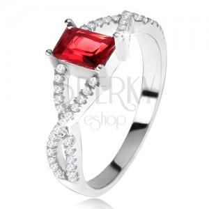 Prsteň zo striebra 925, prekrížené zirkónové ramená, hranatý červený kameň