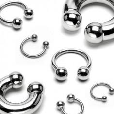 Polkruhový piercing z chirurgickej ocele, guličky