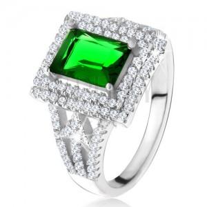 Prsteň s obdĺžnikovým zeleným zirkónom, dvojitý číry lem, šípky, striebro 925