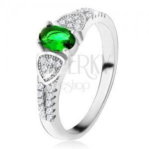 Prsteň s oválnym zeleným zirkónom, trojuholníky, číre kamienky, striebro 925