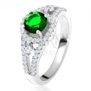 Prsteň - striebro 925, okrúhly zelený zirkón, zaoblené línie, číre kamienky