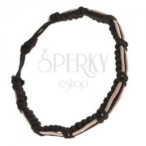 Pletený náramok v čiernej farbe, dve biele a čierna šnúrka na povrchu