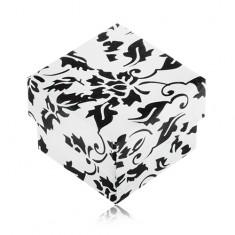 Šperky eshop - Bielo-čierna darčeková krabička na prsteň s motívom kvetov S84.03