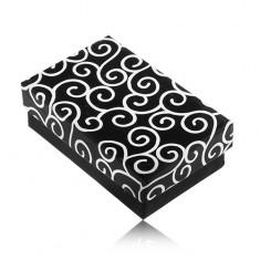 Šperky eshop - Obdĺžníková krabička na náušnice a prsteň, čierna s bielymi ornamentmi S70.17