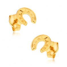 Šperky eshop - Náušnice zo žltého 9K zlata - ligotavá ozdobne gravírovaná podkova GG33.12