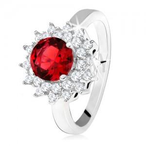 Prsteň s červeným okrúhlym kameňom a čírymi zirkónikmi, slniečko, striebro 925