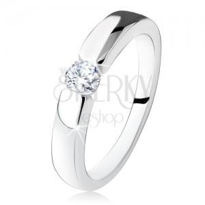 Strieborný zásnubný prsteň 925, hladké a lesklé ramená, okrúhly zirkón