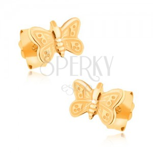 Náušnice v žltom 9K zlate - ligotavý ozdobne gravírovaný motýlik
