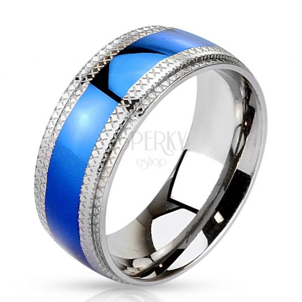 Oceľový prsteň - modrý pruh v strede, vrubkované okraje