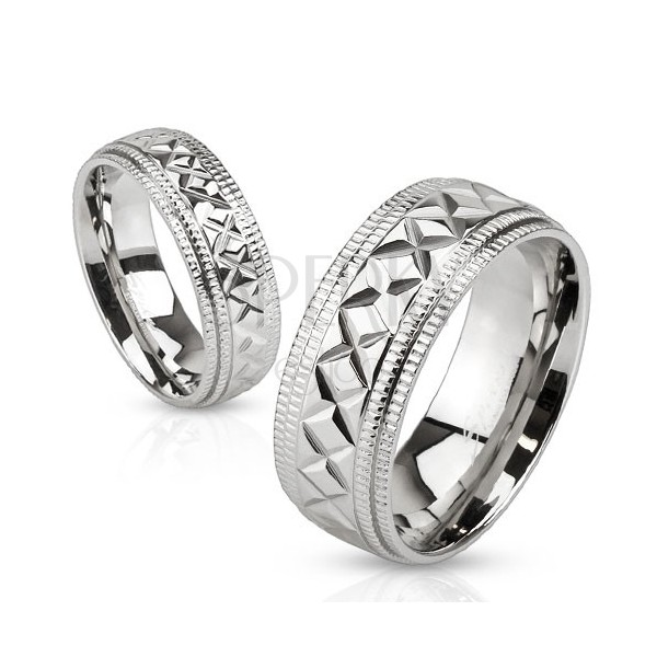 Lesklý oceľový prsteň striebornej farby, vrúbky a geometrické zárezy, 8 mm