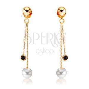 Zlaté náušnice 375 - okrúhly tmavomodrý zafír a biela perla na retiazkach