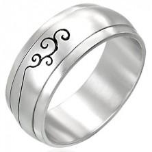 Oceľový prsteň s ornamentom - otáčavý stred