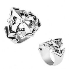Šperky eshop - Prsteň z chirurgickej ocele, veľký maltézsky kríž zdobený patinou Z30.2 - Veľkosť: 55 mm