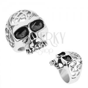 Oceľový prsteň striebornej farby, lebka s ozdobnými výrezmi