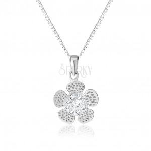 Strieborný 925 náhrdelník, gravírovaný kvietok, stred vykladaný čírymi zirkónikmi