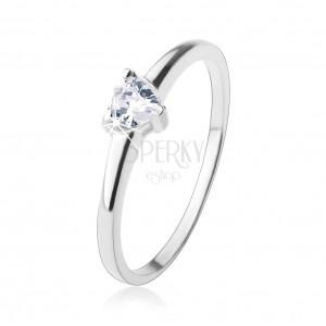 Zásnubný prsteň, vybrúsené zirkónové srdiečko v čírej farbe, striebro 925