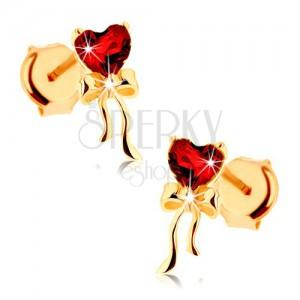 Náušnice zo žltého 9K zlata - červené granátové srdce, lesklá mašlička