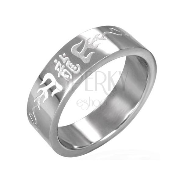Prsteň z chirurgickej ocele s čínskymi symbolmi