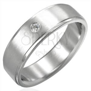 Brúsený oceľový prsteň so zirkónovým očkom