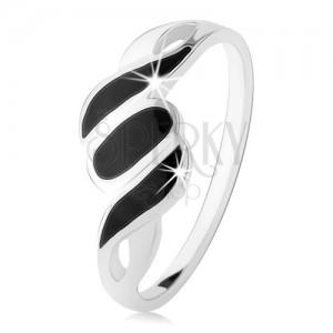 Strieborný 925 prsteň, hladké ramená, šikmé línie a ovál, čierny ónyx