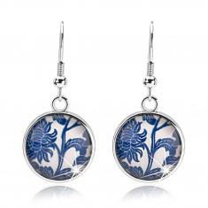 Šperky eshop - Cabochon náušnice, vypuklé sklo, modrý kvet, biely podklad, afroháčiky SP71.25