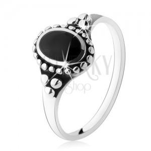 Patinovaný prsteň zo striebra 925, čierny ónyxový ovál, guličky, vysoký lesk
