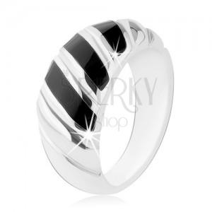 Prsteň, striebro 925, čierny ónyx, tri šikmé prúžky, zárezy