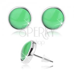 Kabošon náušnice, glazúra, zelený podklad, puzetky, strieborná farba