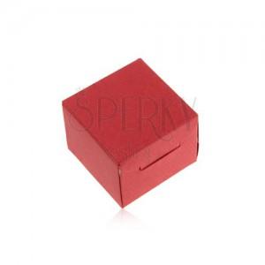 Červená darčeková krabička z papiera na prsteň a náušnice, šikmé zárezy