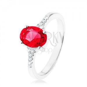 Prsteň, striebro 925, zúžené lesklé ramená, zirkónový ovál červenej farby