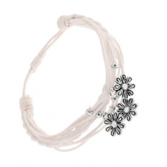 Šperky eshop - Nastaviteľný pletený náramok, biele šnúrky, oceľové prívesky - kvietky SP83.17