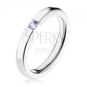 Oceľový prsteň striebornej farby, svetlofialový zirkón, vysoký lesk