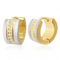 Šperky eshop - Kĺbové oceľové náušnice - malé kruhy medzi zvislými líniách, saténový povrch X06.11