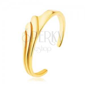Strieborný prsteň 925 zlatej farby, vysoký lesk, tri gravírované zvlnené línie