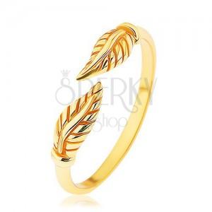 Strieborný prsteň 925 zlatej farby, oddelené gravírované lístky, lesklé ramená