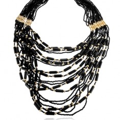 Korálkový náhrdelník, čierna a zlatá farba, valčeky a guličky, karabínka