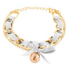 Šperky eshop - Náramok z dvoch retiazok zlatej farby, biela stužka s mašličkou, korálka T6.1