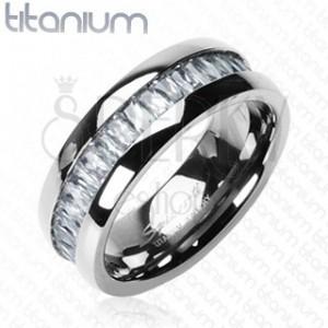 Titánový prsteň so vsadenými, obdĺžnikovými zirkónmi