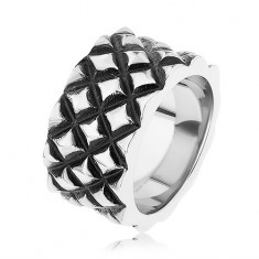 Patinovaný prsteň z ocele 316L, motív malých vypuklých kosoštvorcov