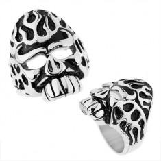Mohutný prsteň z ocele 316L, strieborná farba, lebka s patinovanými zárezmi