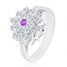 Prsteň striebornej farby, veľký číry kvet s fialovým zirkónom v strede
