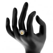 Trblietavý prsteň s rozvetvenými ramenami, strieborná farba, žlto-číre zirkóny