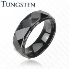 Čierny prsteň z wolfrámu, vyvýšený pás s lesklým brúseným povrchom, 8 mm