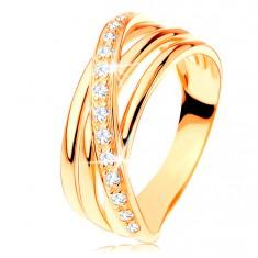 Prsteň zo žltého 14K zlata - tri hladké pásy, šikmá zirkónová línia