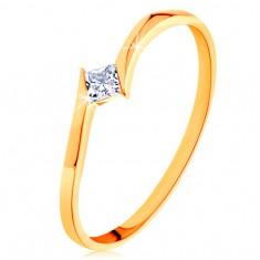 Prsteň v žltom 14K zlate - zahnuté konce ramien, štvorcový zirkónik