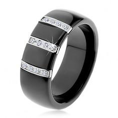 Čierny keramický prsteň s hladkým povrchom, tri oceľové pásy so zirkónmi