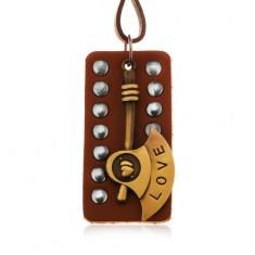 Tmavohnedý náhrdelník zo syntetickej kože, vybíjaná známka, sekera s nápisom