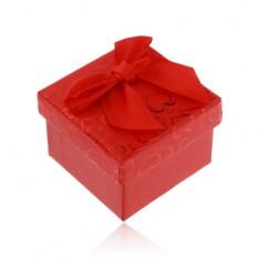 Červená krabička na prsteň, náušnice alebo prívesok, srdiečka, mašľa