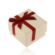 Papierová darčeková krabička v béžovom odtieni, bordová stužka s mašľou