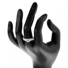 Zásnubný prsteň, striebro 925, väčší okrúhly zirkón čírej farby, trblietavé ramená